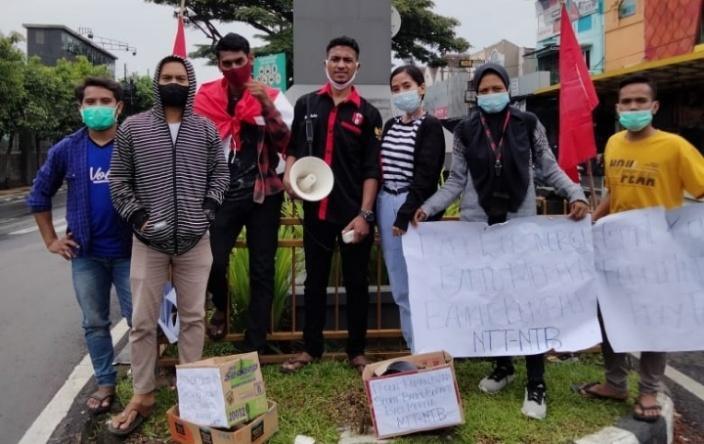 Komisariat GMNI Ikip Budi Utomo Malang Melakukan Galang Dana